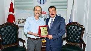 """Başkan Gürkan,"""" gazetelerin dezavantajlı gruplara ulaştırılması önemlidir"""""""