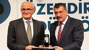 Başkan Gürkan, Hizmetlerini Ödüllerle Taçlandırmaya Devam Ediyor