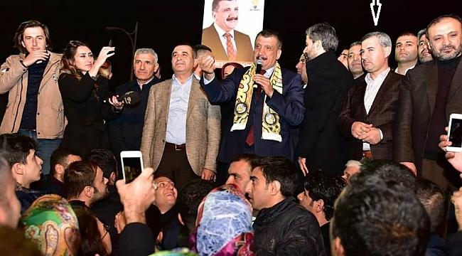 Yeşilyurt Belediye Başkanı Mehmet Çınar, Gürkan'ı yalnız bırakmadı.
