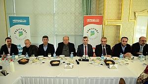 Başkan Çınar gazetecileri ağırladı