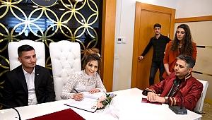 Malatyalı genç çiftler 14 Şubatı nikahla taçlandırdı