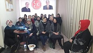 MHP Kadın Kolları'ndan Anlamlı Kutlama