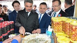 Malatya'da İş Yurtları Ürün ve El Sanatları Fuarı Açıldı