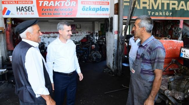 Başkan Çınar Esnafları ziyaret etti