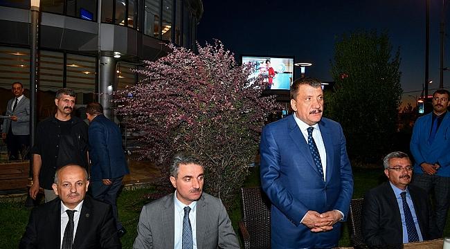Büyükşehir Belediyesinden Muharrem İftarı verildi