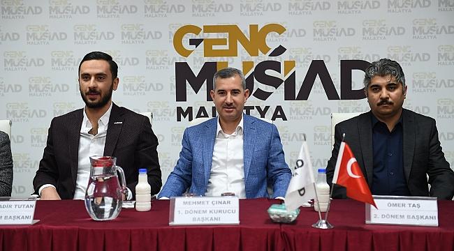 Başkan Çınar genç musiad üyeleriyle buluştu