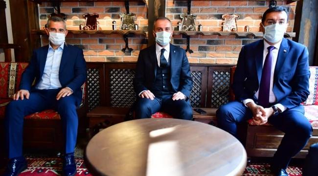 Başkan Erdoğan'la gelen grubu Yeşilyurt'ta ağırlandı