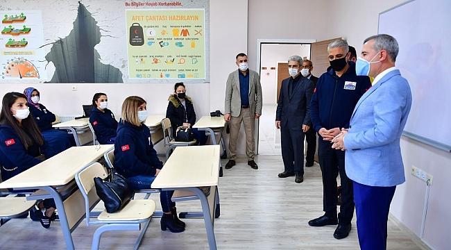 """""""112 Acil Çağrı Merkezinin Planlı Hizmetlerine, Deprem Eğitimi ile Katkı Sağladık"""""""
