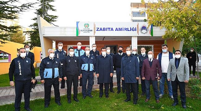 Başkan Gürkan zabıtaları ziyaret etti