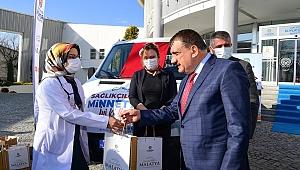 Büyükşehir belediyesinden sağlıkçılara hediye