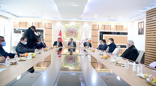Başkan Gürkan Ticaret Borsasını ziyaret etti