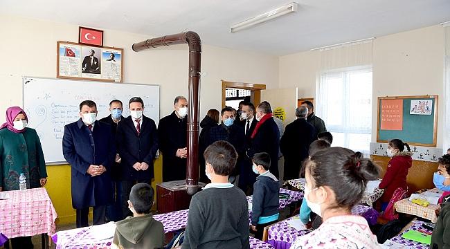 Gürkan'dan öğrencilere sürpriz ziyaret