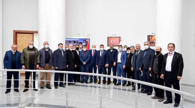 Hekimhanlılardan Başkan Gürkan hizmet teşekkürü