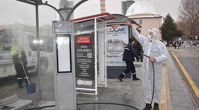 otobüs ve trambüs duraklarında temizlik ve dezenfekte çalışmaları yapıldı