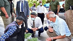 Malatya Valisi Baruş'un ricasıyla aşı oldu