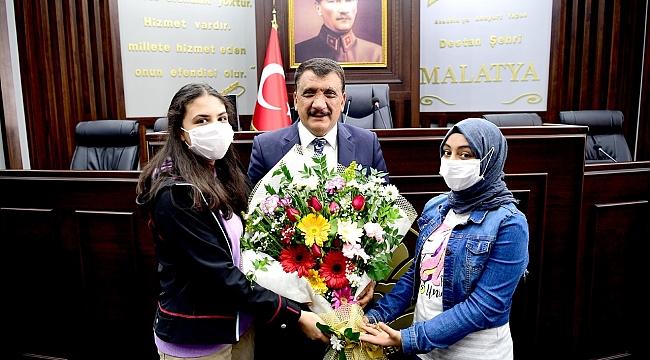 Semt konağı öğrencilerinden başkan Gürkan'a ziyaret